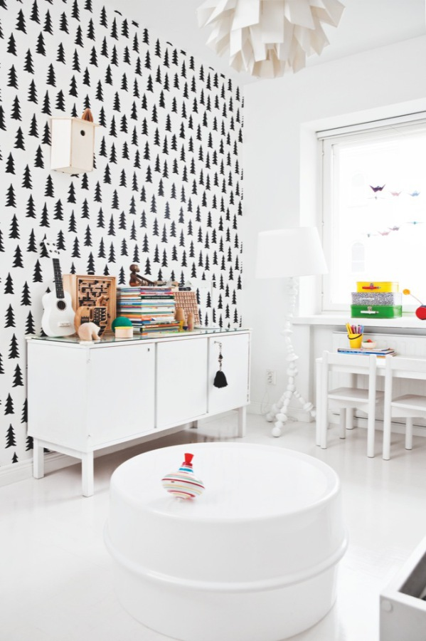 Black and white home by interior stylist Susanna Vento