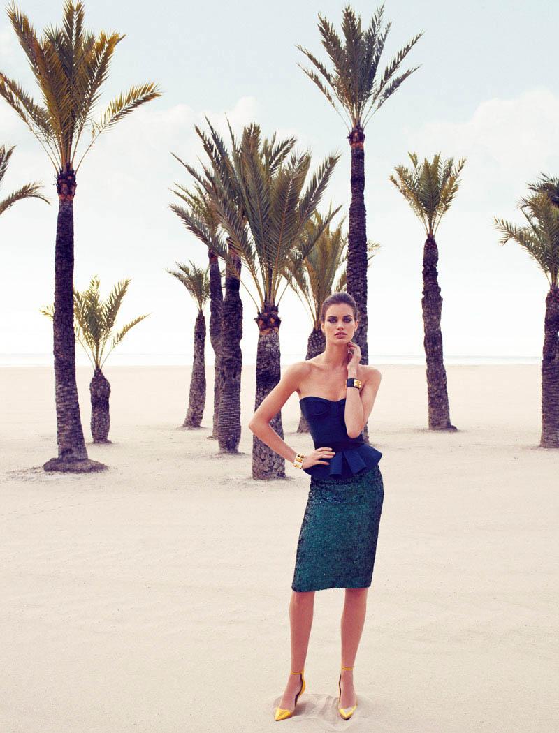 Rianne ten Haken in Retro Fitted by Xavi Gordo for Elle Spain March 3