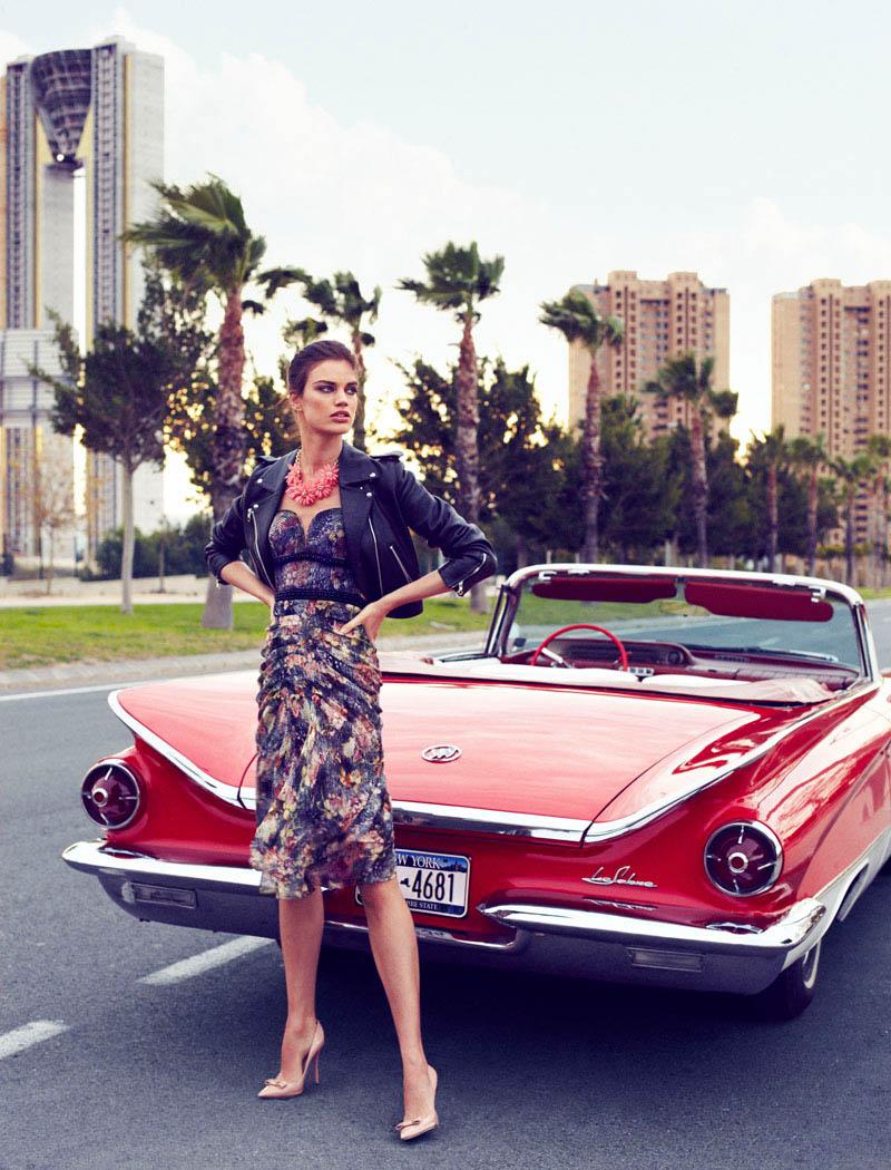 Rianne ten Haken in Retro Fitted by Xavi Gordo for Elle Spain March 4