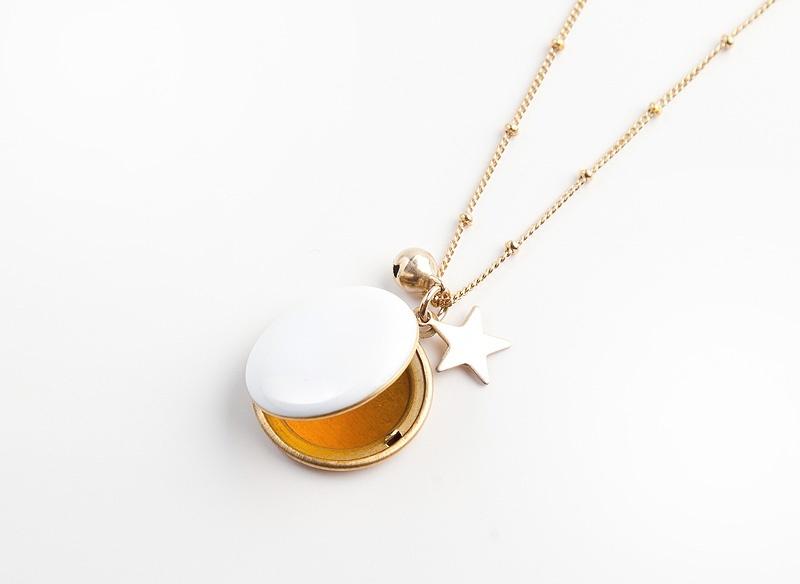 jelanie-locket-pendant-white-by-hop-hop-hop