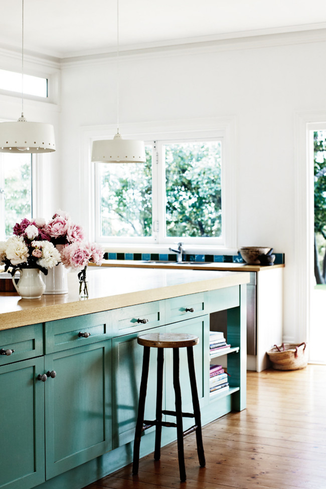 A romantic country home in Tasmania 4