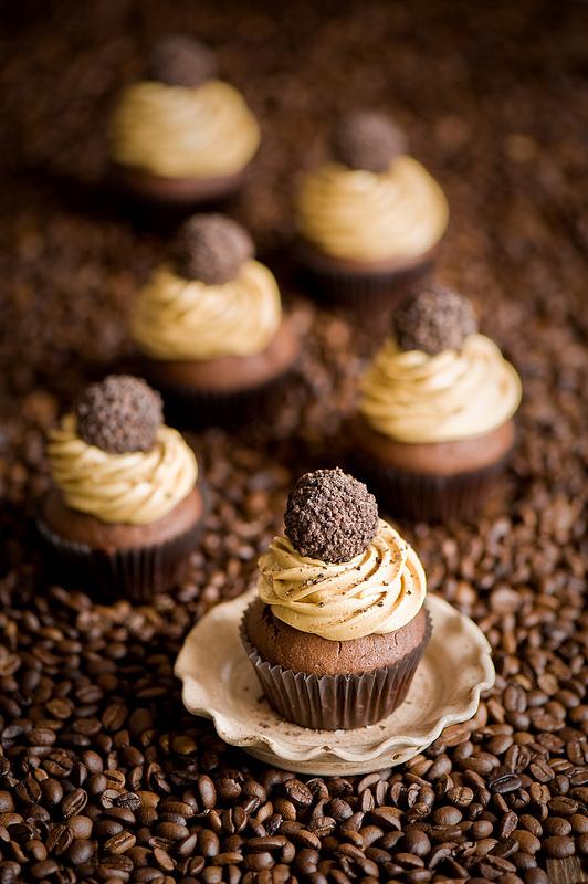 Cupcakes brownies and blondies 4