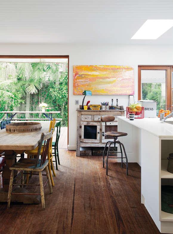 Nikki Gemmell's raw interior on Sydney's north coast 0