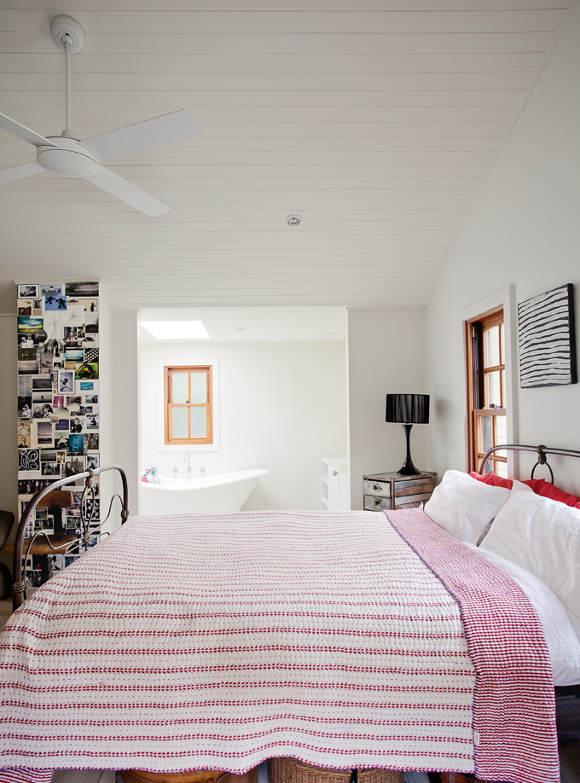 Nikki Gemmell's raw interior on Sydney's north coast 4