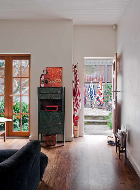Nikki Gemmell's raw interior on Sydney's north coast 5