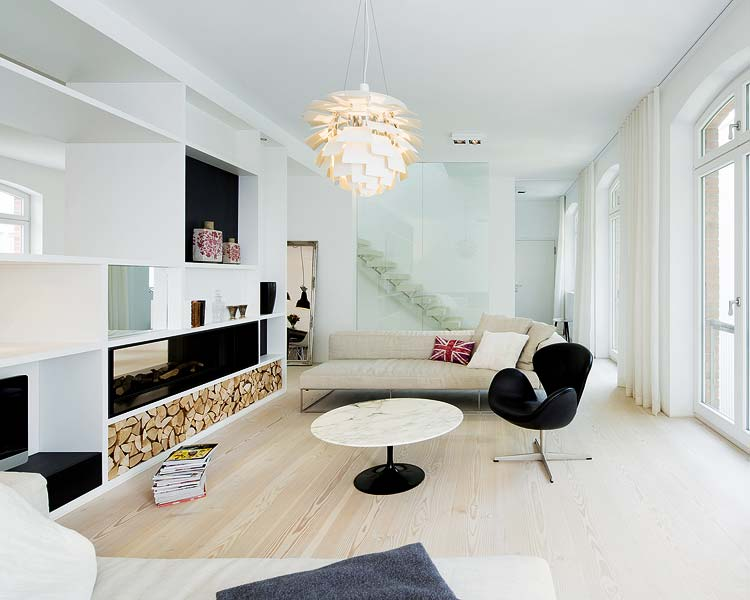 Old factory in Berlin becomes spacious living space 2