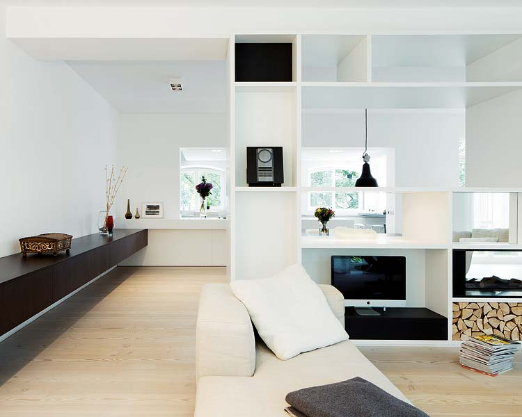Old factory in Berlin becomes spacious living space 6