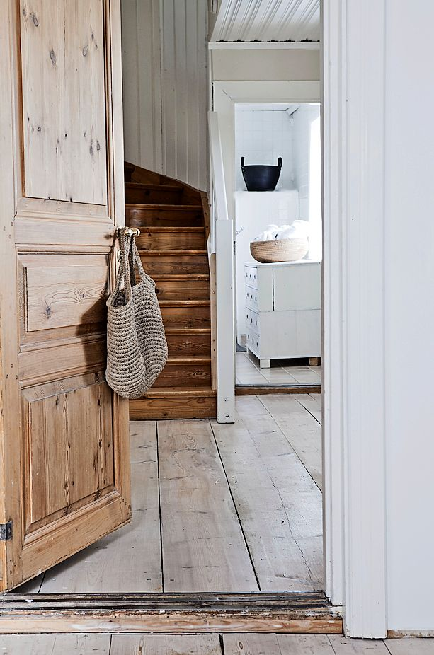 White renovated farmhouse in Sweden 6