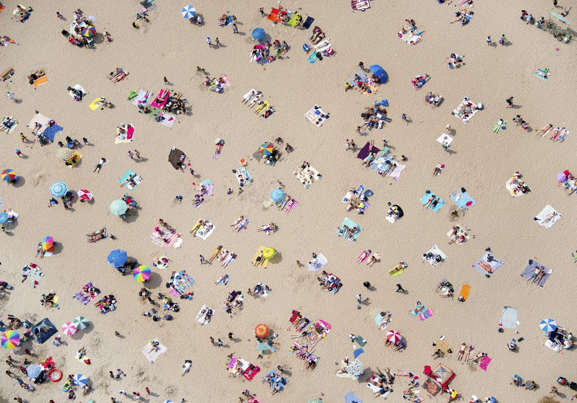 Gray Malin A La Plage A La Piscine coney-island-beach