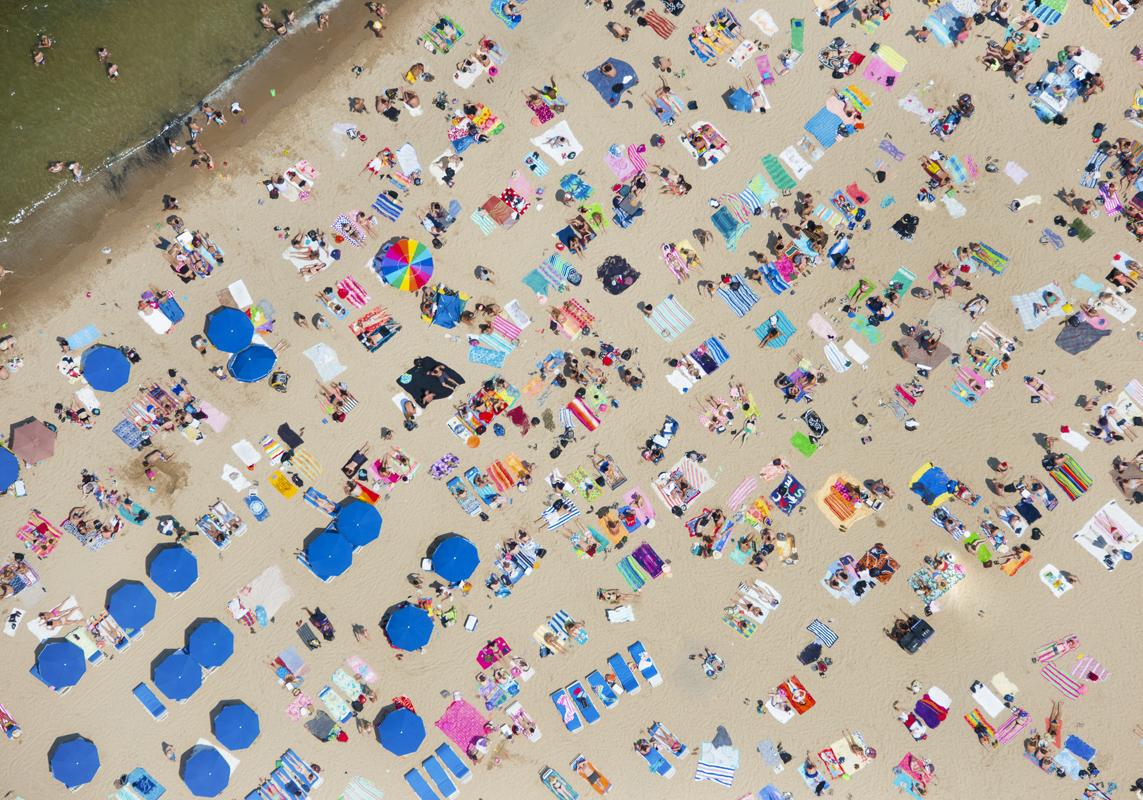 Gray Malin A La Plage A La Piscine lake-michigan-beach