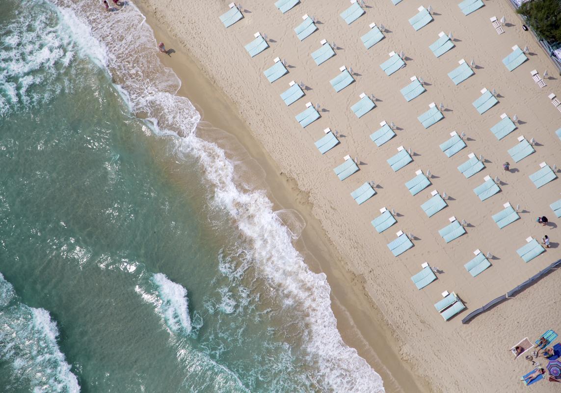 Gray Malin A La Plage A La Piscine st-tropez-light-blue-beach-chairs