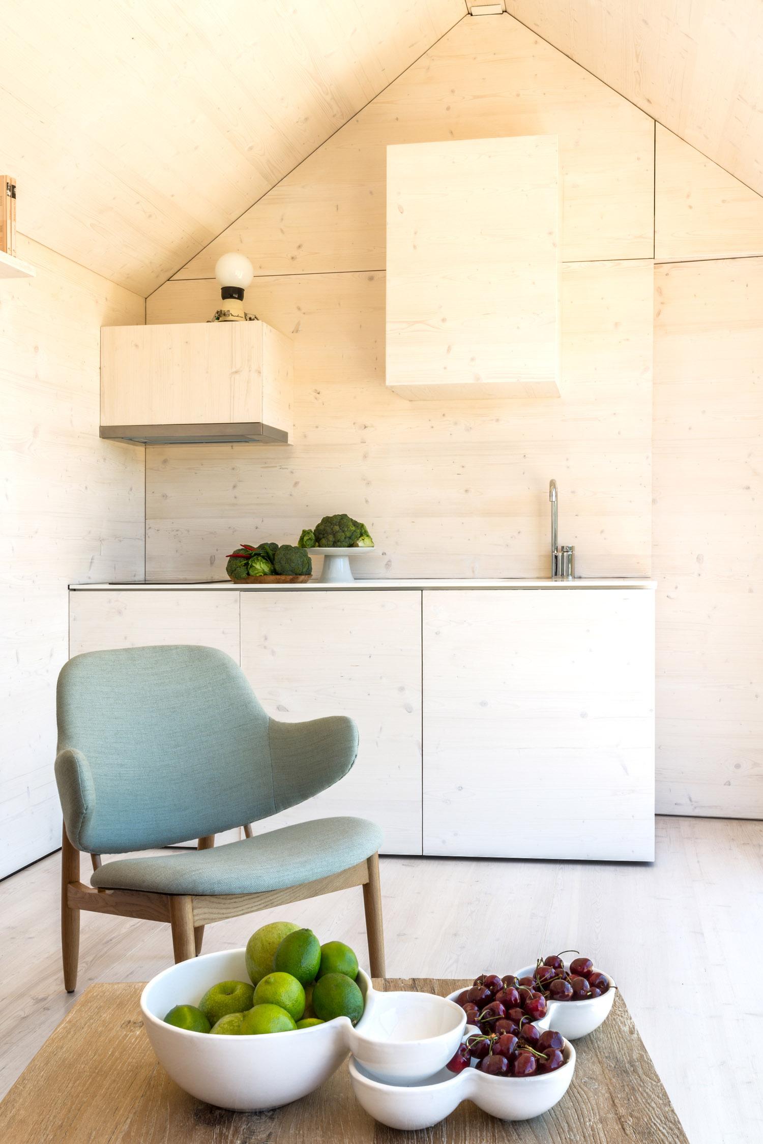 Portable home by architecture studio ÁBATON 13