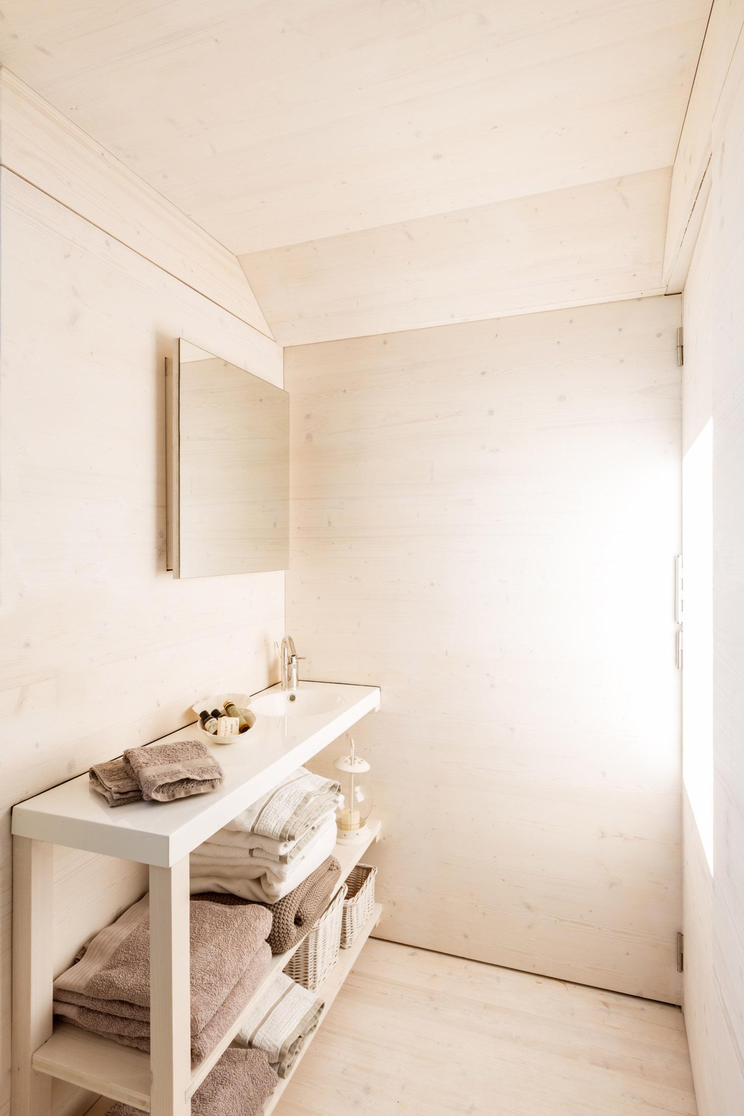 Portable home by architecture studio ÁBATON 17