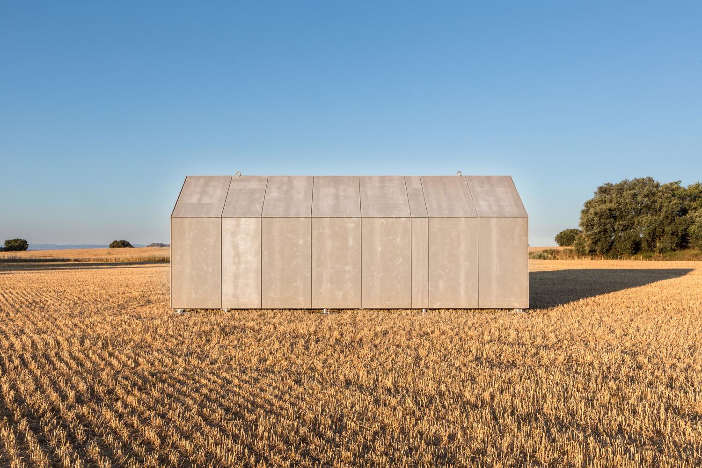 Portable home by architecture studio ÁBATON 3