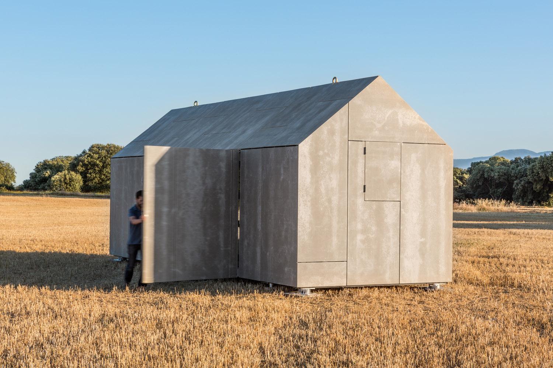 Portable home by architecture studio ÁBATON 7
