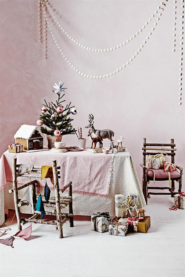Pink linen Christmas decoration 1