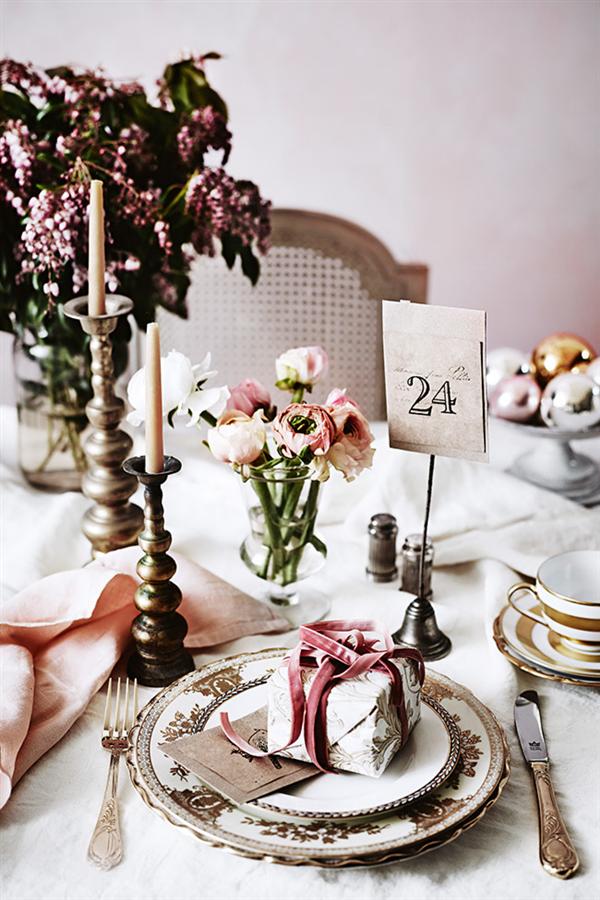 Pink linen Christmas decoration 4