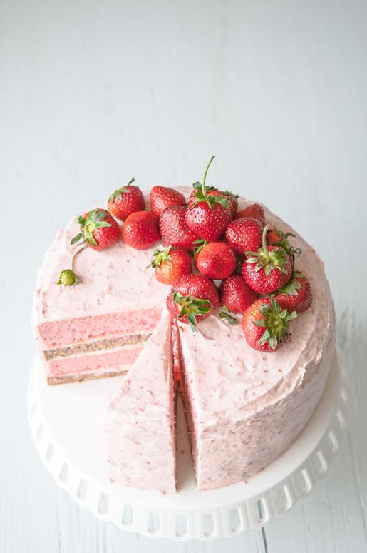Strawberry banana milkshake cake by Hungry Rabbit 1