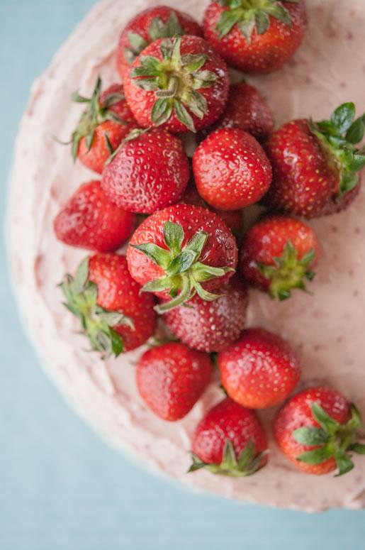Strawberry banana milkshake cake by Hungry Rabbit 3