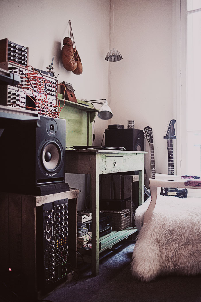 Jelanie blog - The romantic Paris home of Anna Malmberg 2