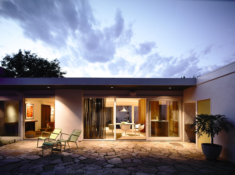 Jelanie blog - Australian contemporary home by Kennedy Nolan 3
