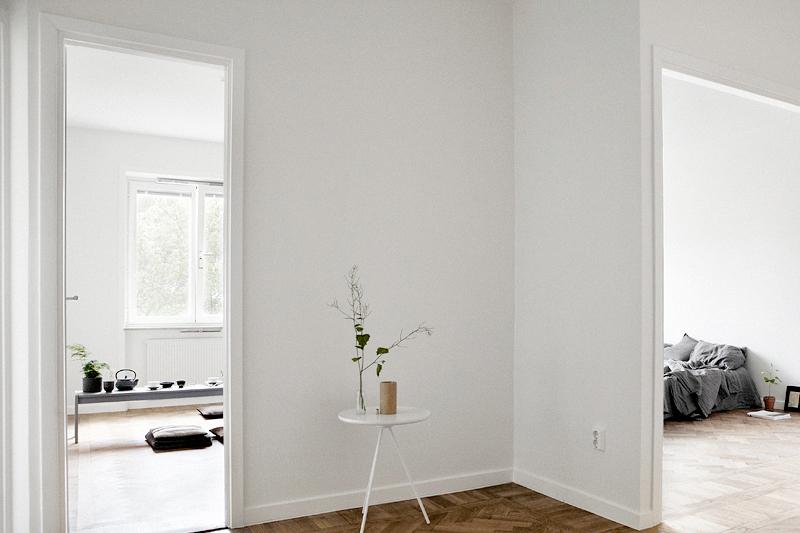 Jelanie blog - Minimalist bedroom in grey 3
