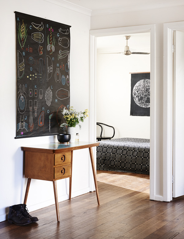 Jelanie blog - The Melbourne home of Suzy Tuxen and Shane Loorham - hall