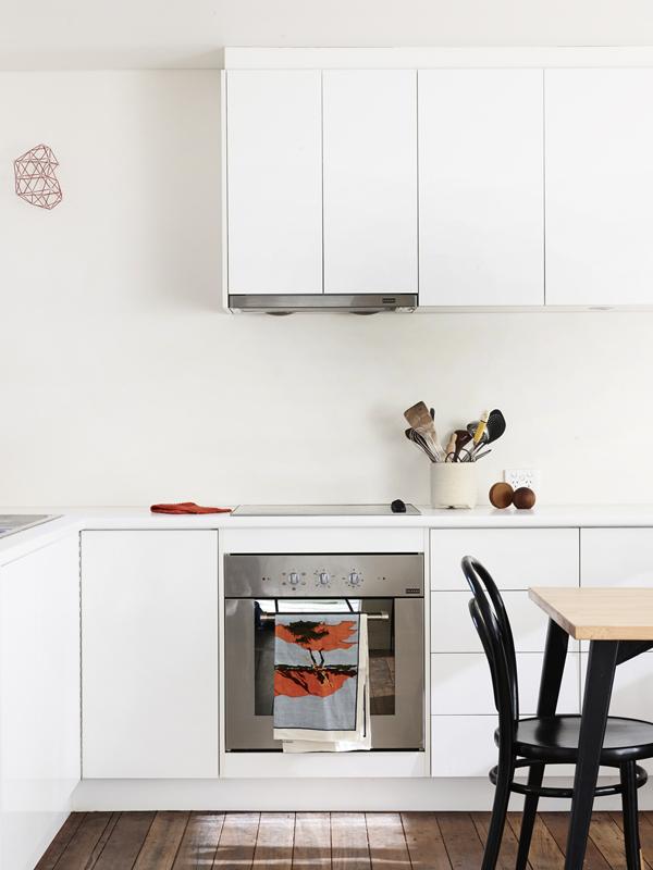 Jelanie blog - The Melbourne home of Suzy Tuxen and Shane Loorham - kitchen