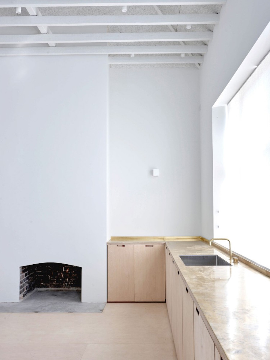 Clean industrial home by McLaren.Excell 1
